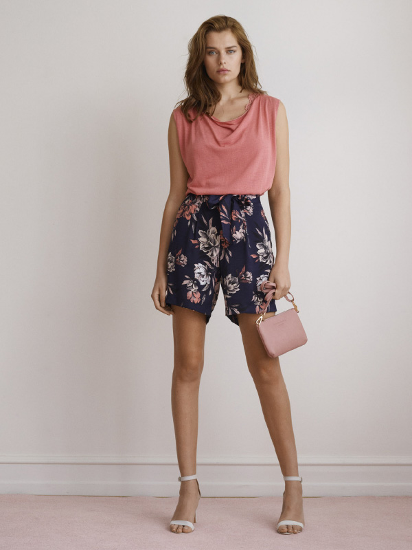 LOOK AND FEEL AMAZING IN THIS LIGHT AND FLATTERING SUMMER LOOK