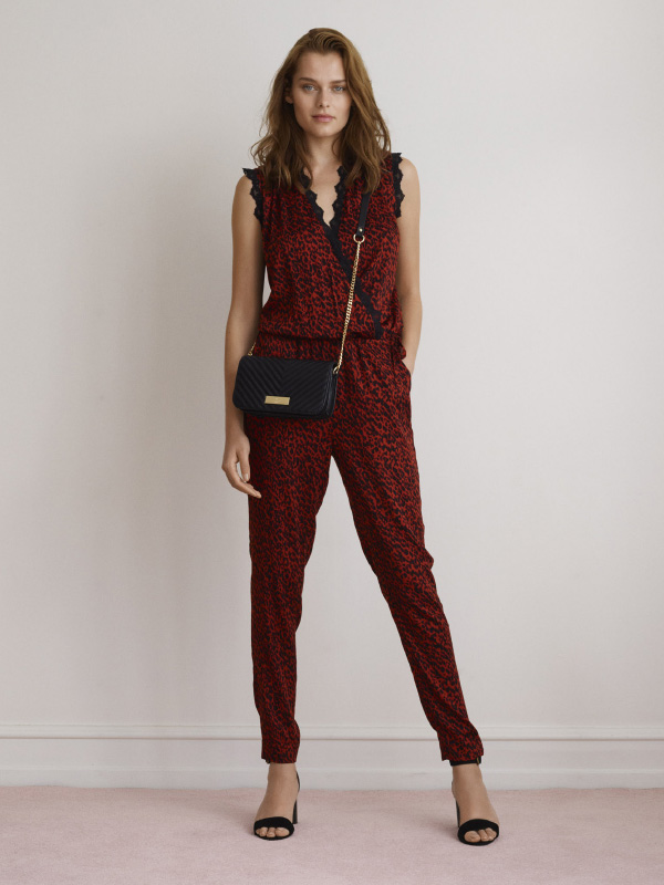 A TAKE ON A CHIC AND EFFORTLESS LOOK SUITABLE FOR ANY OCCASION