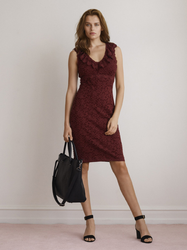 SENSUAL AND SOPHISTICATED DRESS THAT CAN BE DRESSED UP OR DOWN