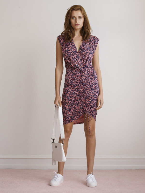 SOFT AND COMFORTABLE DRESS DESIGNED WITH RIBBON DRAWSTRING ALLOWING YOU TO CREATE A DRAPED EFFECT