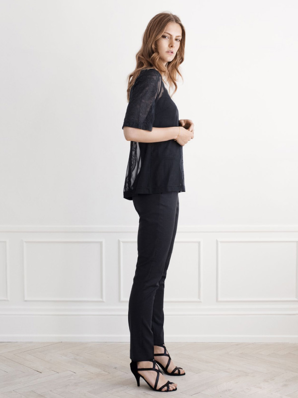 Sophisticated black for a stylish touch